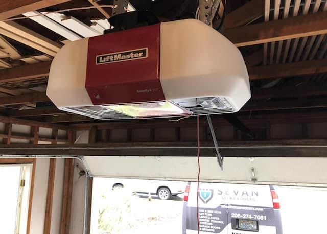 LiftMaster 8550W garage door opener